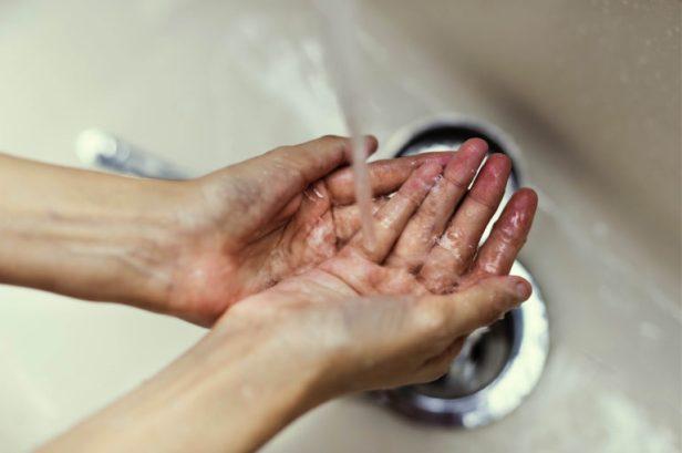 Handen-wassen_Huidfonds_persbericht-768x510